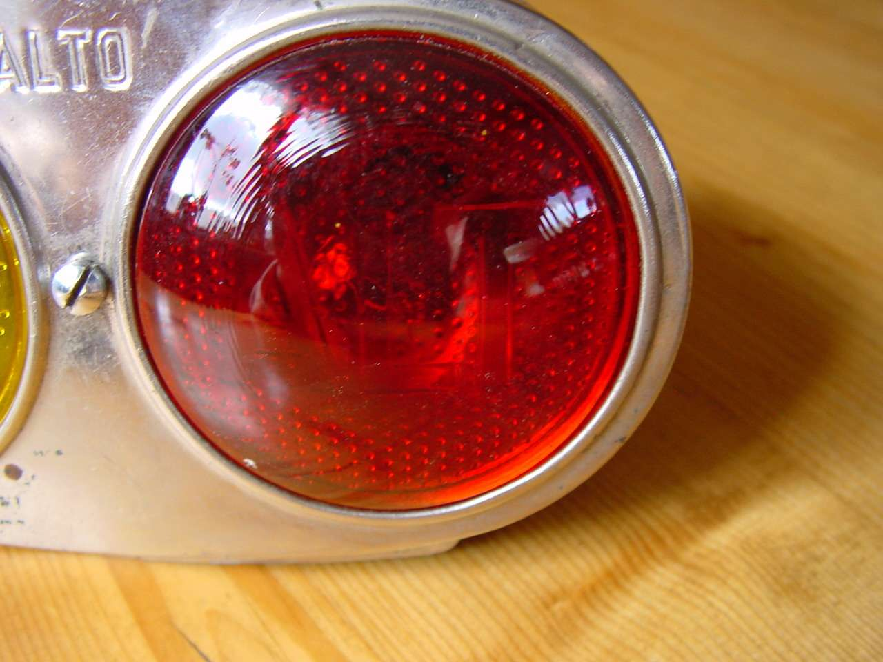 Carello taillight with alt in glass lens