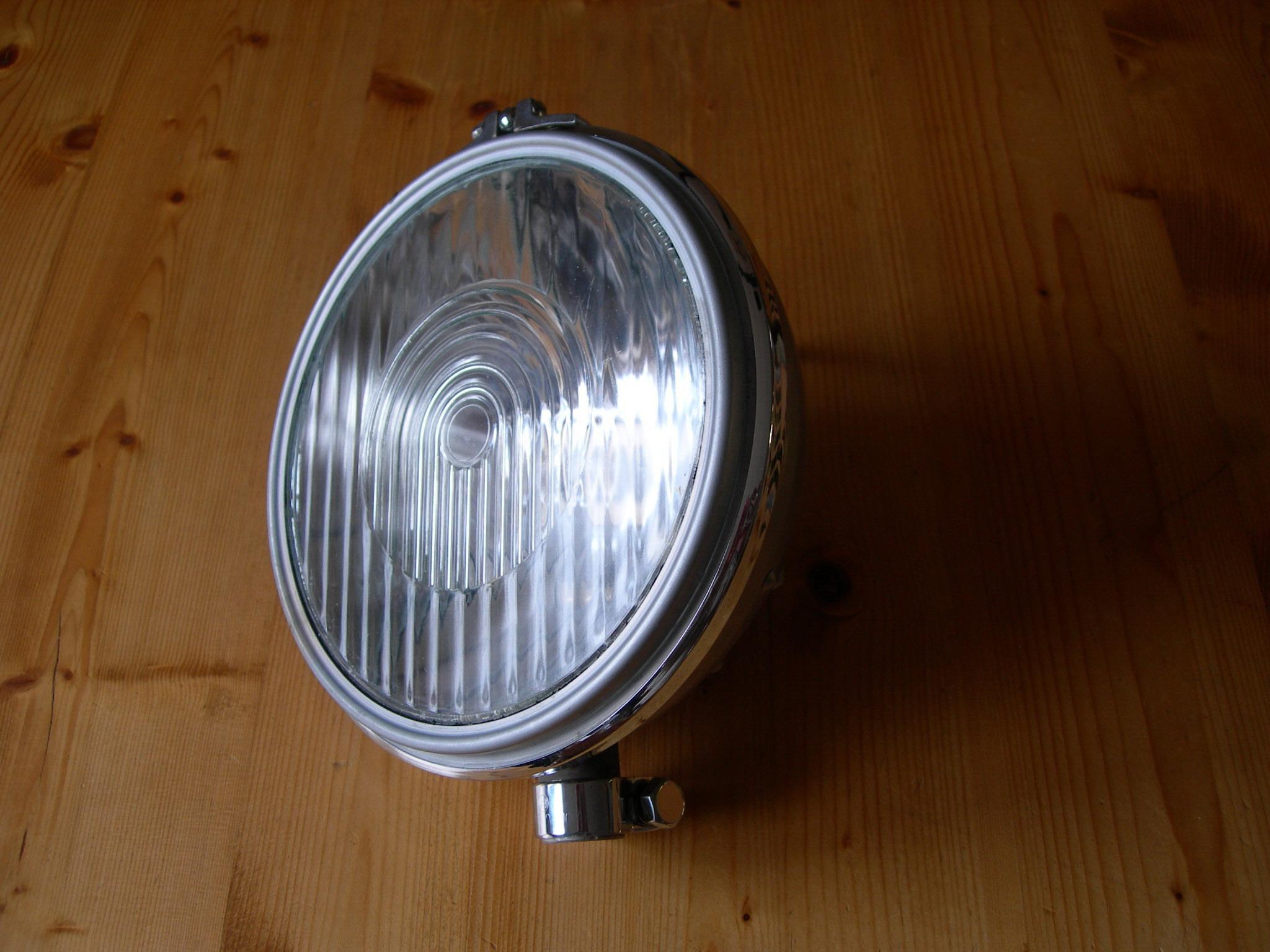 Alfa Romeo 6C 1750 Bosch headlight middle