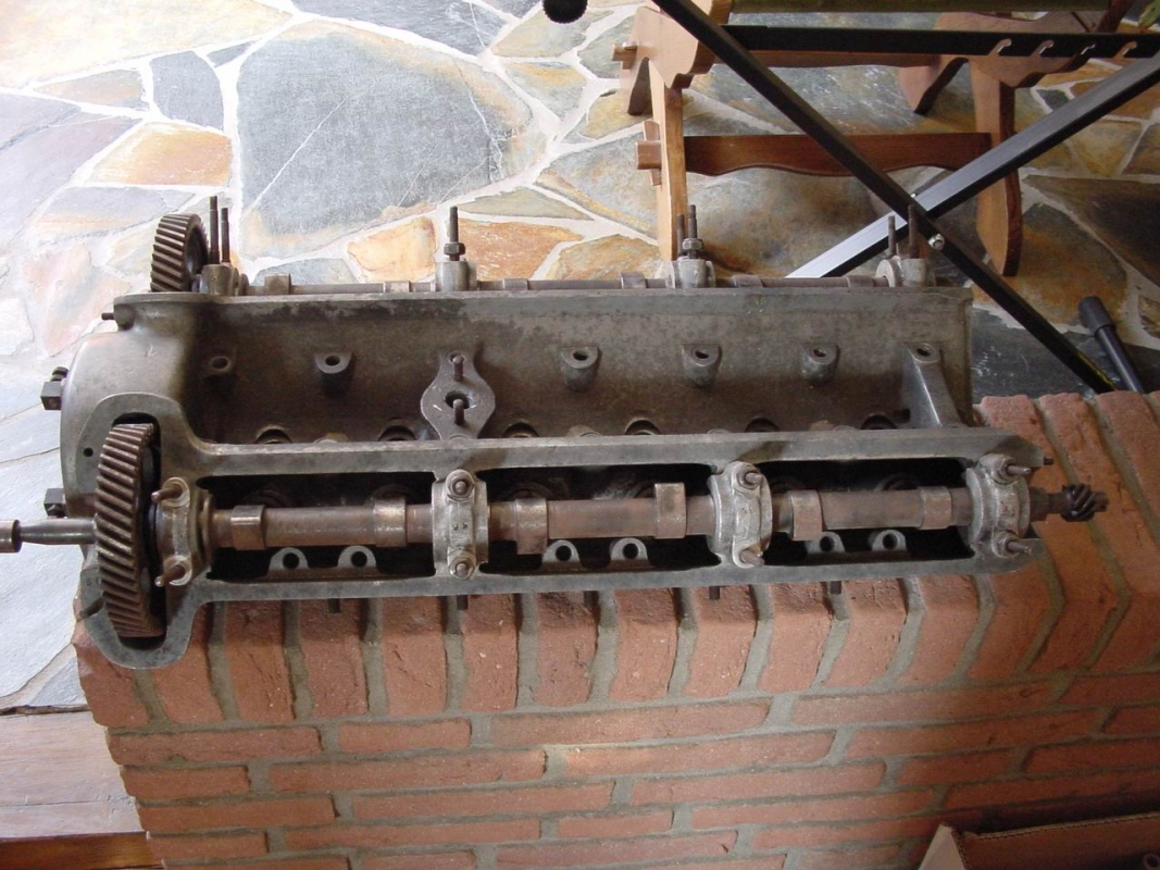 Alfa Romeo 6C 2500 SS Cylinder head