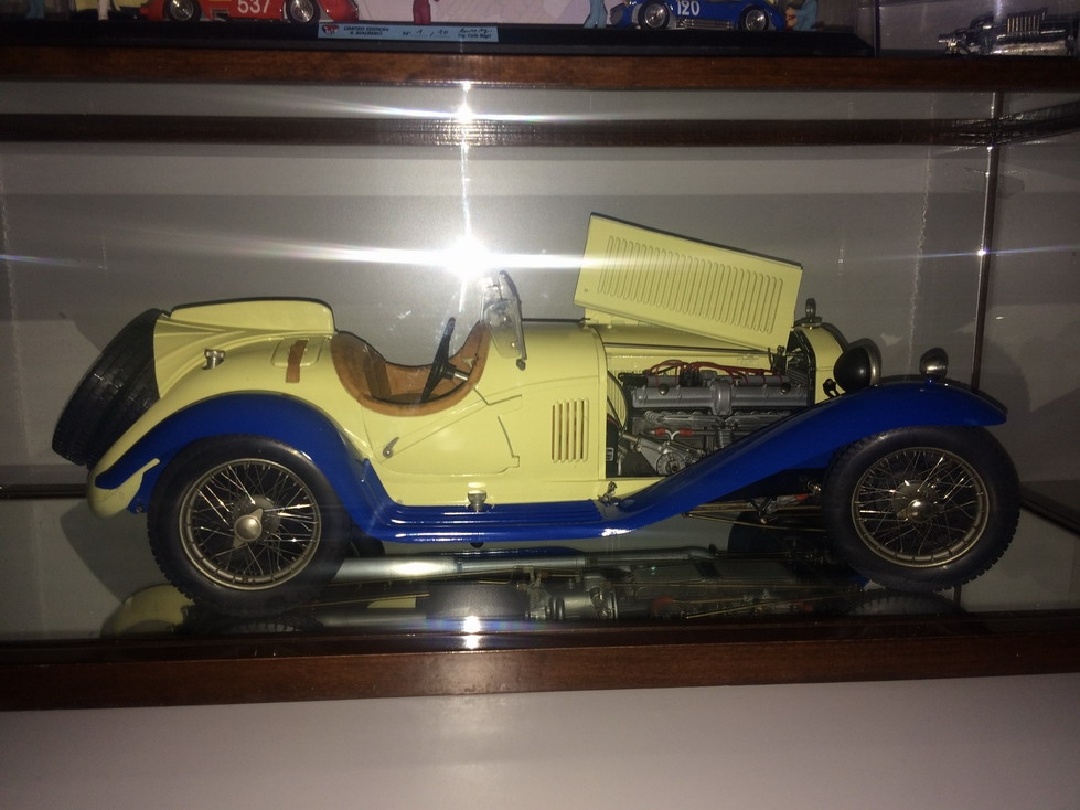 Pocher 18 Alfa Romeo 8C 2300 Spider Touring Grand Sport